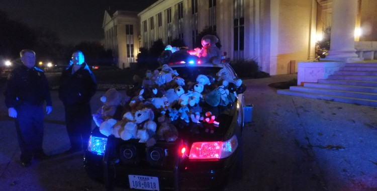 Fort Worth Police Department collects stuffed toys at 2014 Teddy Bear Concert